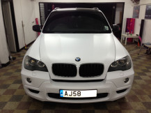 bmw-x5-matte-white-wrap-london