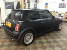 mini-cooper-matte-black-wrap