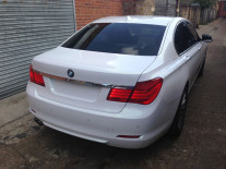 BMW-740-Pearlescent-White-Wrap