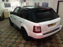 range-rover-black-roof-wrapping