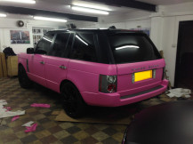 Range-Rover-Wrapped-Pink