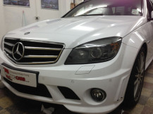 Mercedes-C63-White-Wrap