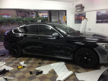 BMW-530-GT-Vinyl-Wrapping-in-Progress
