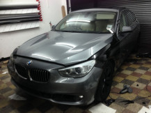 Grey-BMW-530-before-Black-Wrap