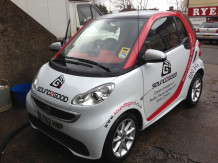 smart-car-partial-graphics-wrapping