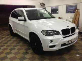BMW-X5-Wrapped-Gloss-White