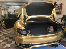avery-chrome-gold-wrap