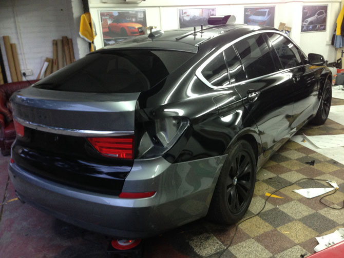 bmw 530 gt vinyl wrapped gloss black by wrapping cars london. Black Bedroom Furniture Sets. Home Design Ideas