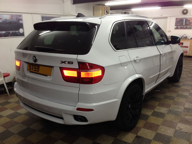 BMW X5 White Vinyl Wrap