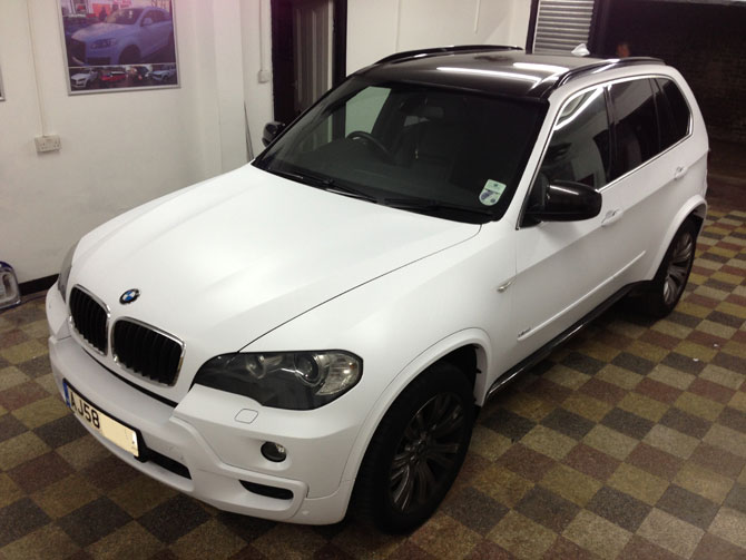 bmw-x5-matte-white-wrap