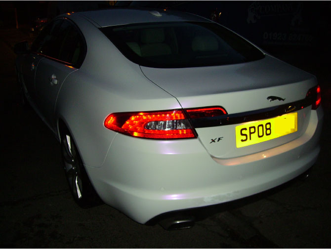jaguar-xf-pearlescent-white-wrapping