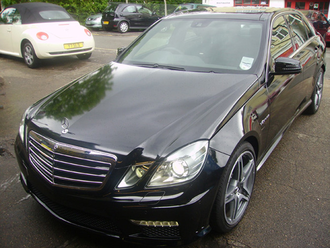e63-gloss-black-wrapping.