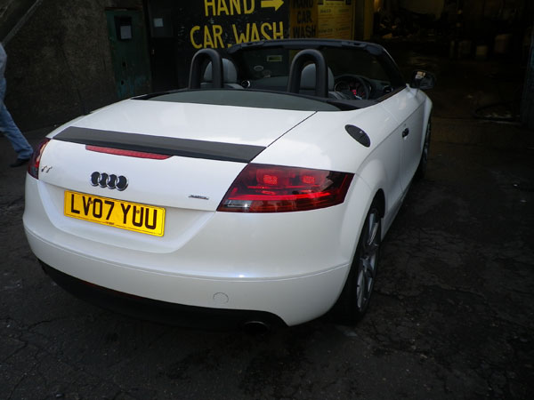 audi-tt-high-gloss-white