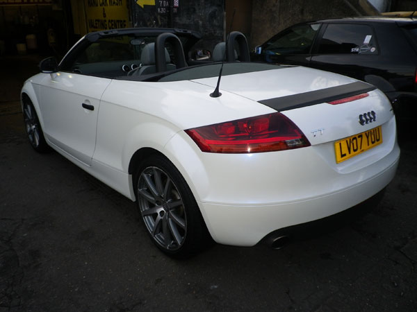 audi-tt-pearlescent-white-wrap