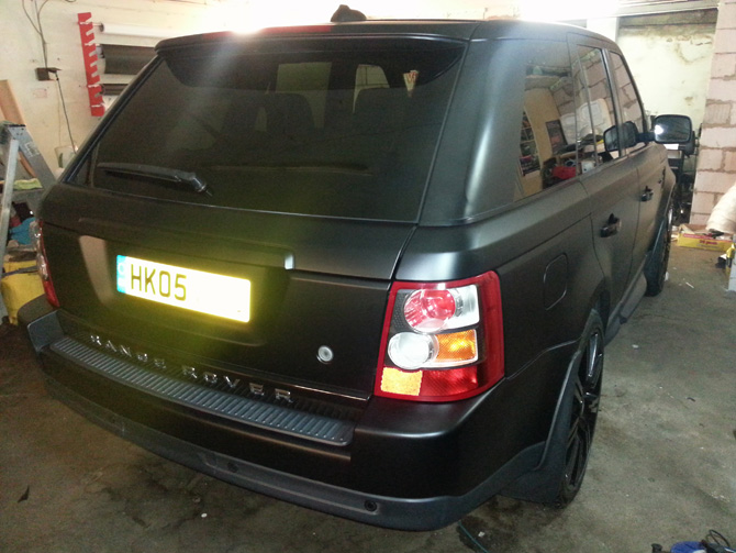 matte-satin-black-range-rover-sport-wrapping