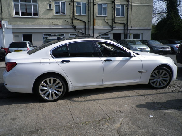 bmw-730-pearl-white-wrapping.jpg