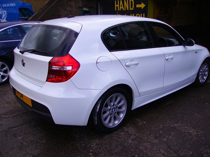 bmw 118 full wrapped gloss white wrapping cars london. Black Bedroom Furniture Sets. Home Design Ideas