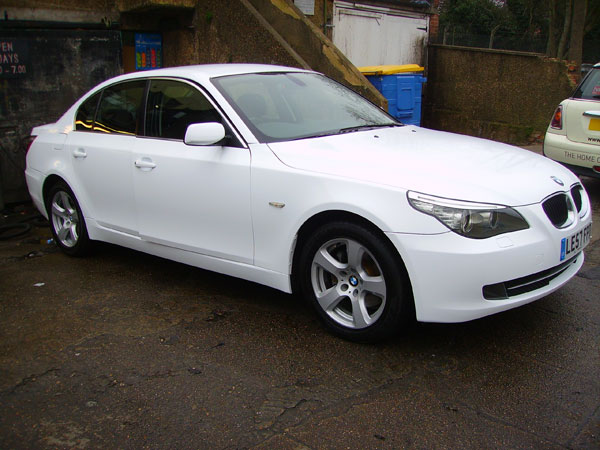 full-wrap-gloss-white-bmw-520d