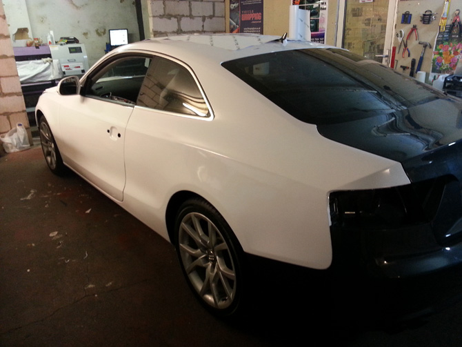 audi-a5-gloss-white-wrap-window-tinting