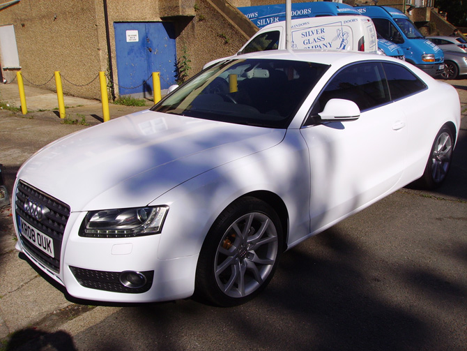 gloss-white-audi-a5-vinyl-wrapping-cars