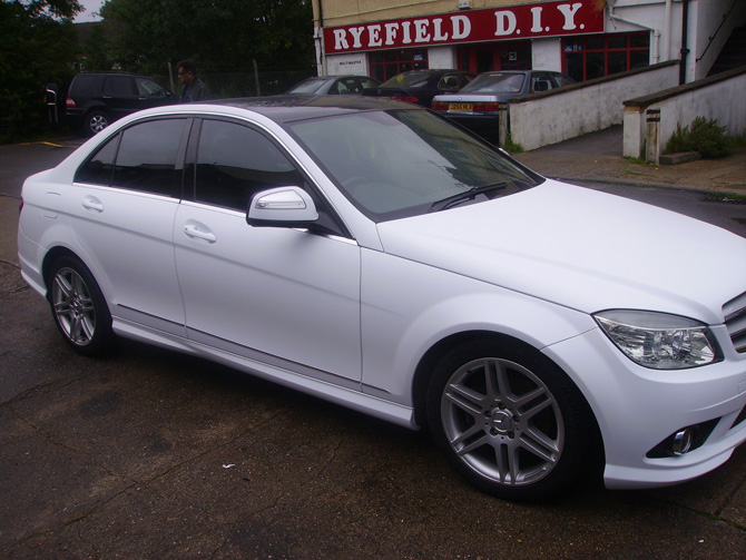 matt-white-mercedes-wrapping-cars-london