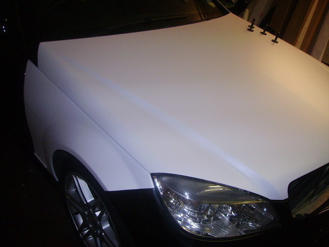mercedes-matte-white-bonnet-wrapping