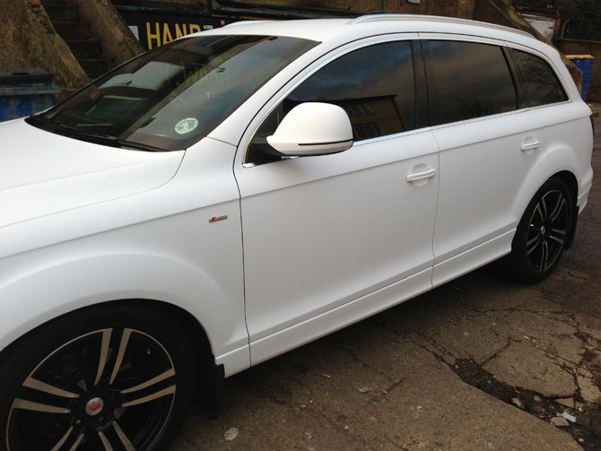 matte-satin-white-wrap-audi-q7