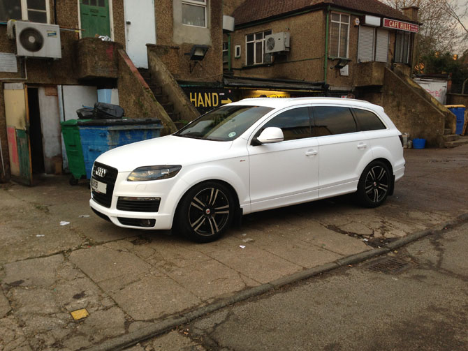 audi q7 matte white wrap. Black Bedroom Furniture Sets. Home Design Ideas
