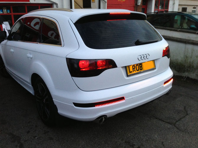 q7 matte white wrapping