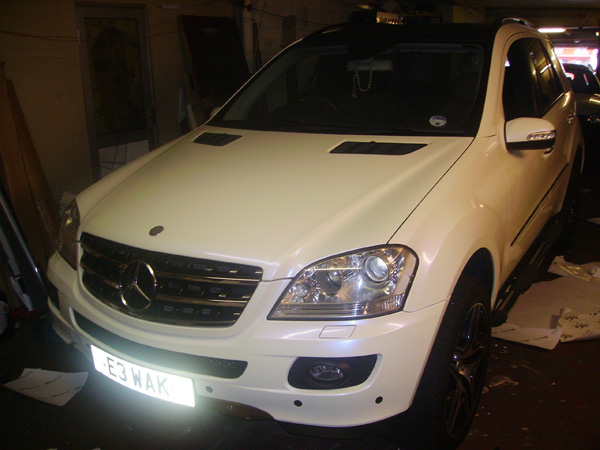 mercedes_ml_pearl_white_wrap