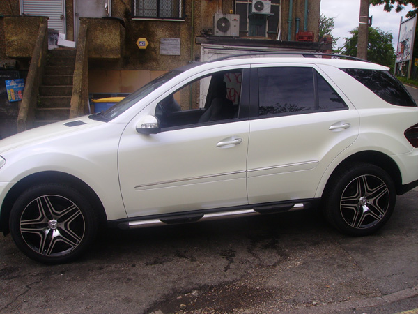 mercedes_ml_pearl_white_wrapped