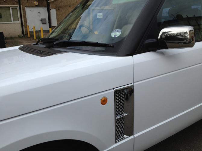 White-Range-Rover-Wrap-London